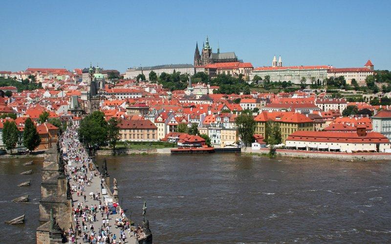Prag-Gezilecek-Yerler-Charles-Bridge